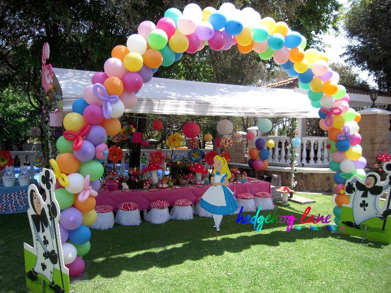Alice in Wonderland Kids Themed Party Decor